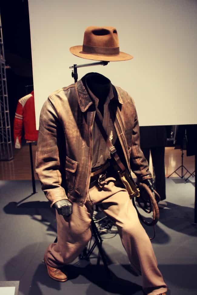 The Indiana Jones Outfit Is Mu ...在列表中列出(或排列)2名您可能不知道的关于印第安纳琼斯影片的47件事