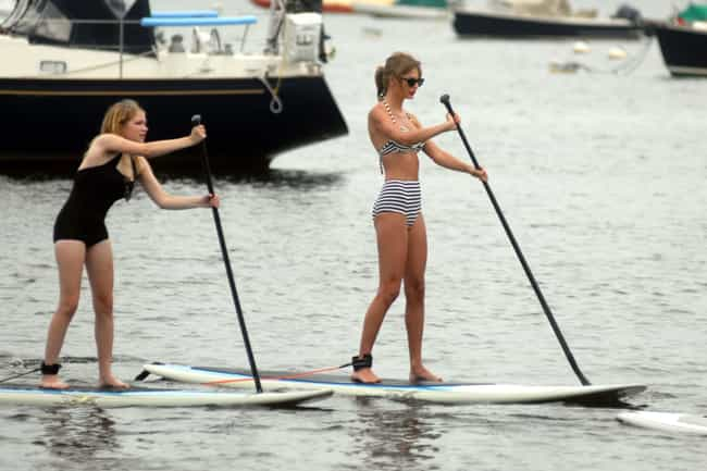It??s Not Just People - She Even Dwarves Her Own Paddle