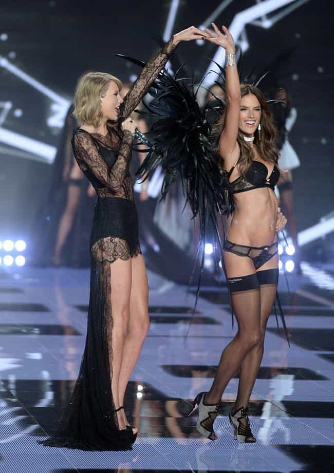 Even Victoria Couldn't Keep Taylor??s Height a Secret at the VS Fashion Show