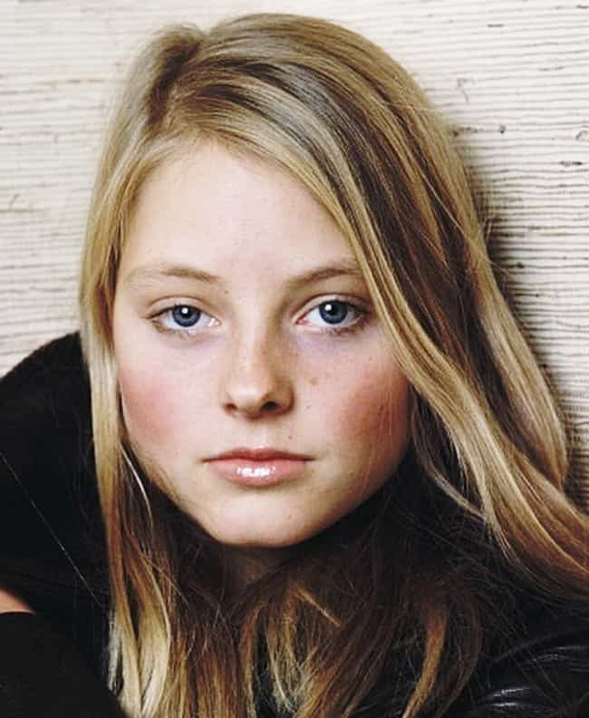 [Image: young-jodie-foster-in-black-leather-jack...crop=faces]