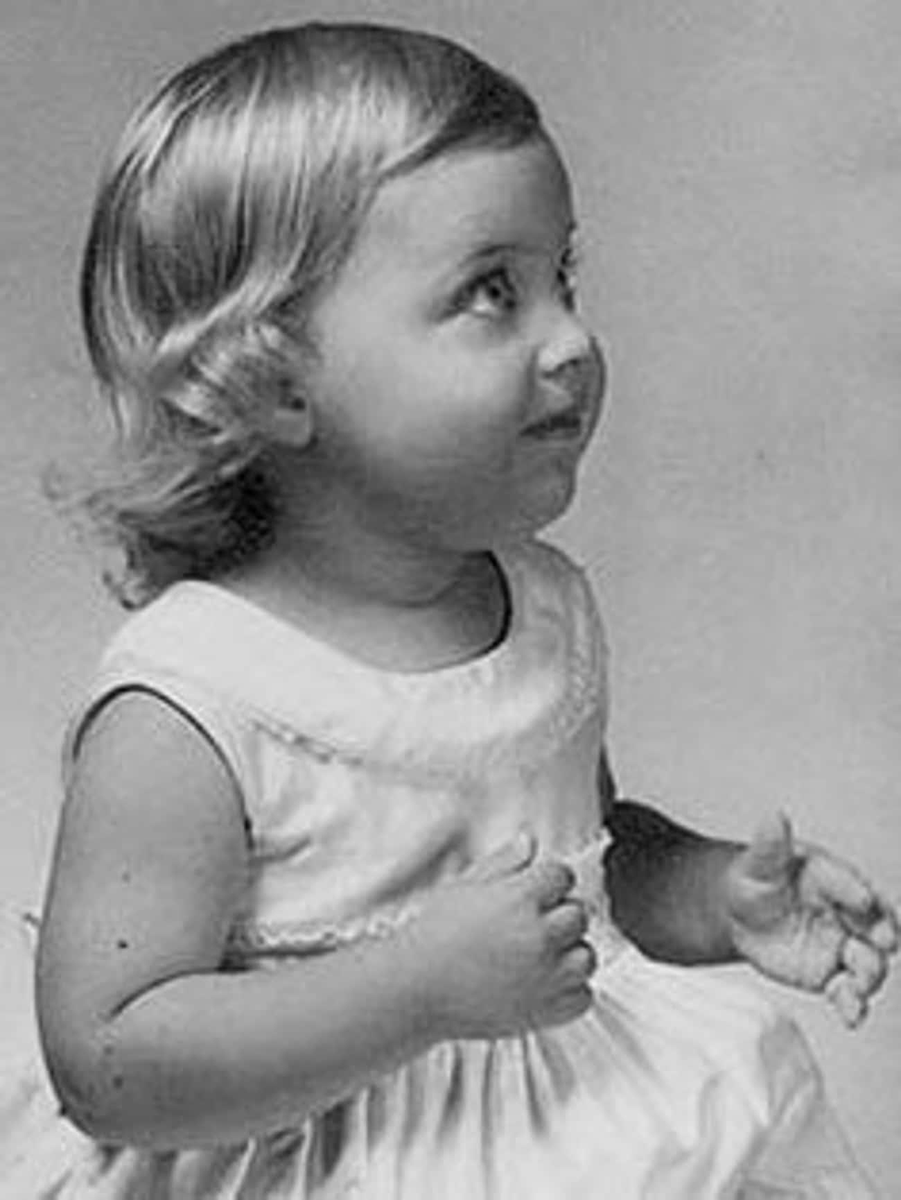 Child Ellen DeGeneres is listed (or ranked) 4 on the list 16 Pictures of Young Ellen DeGeneres