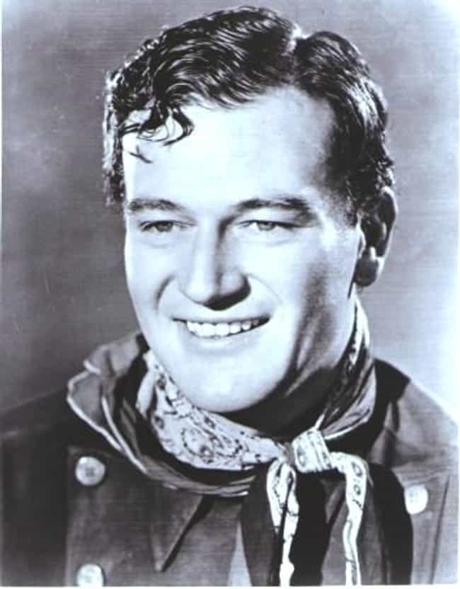 20 Photos of John Wayne When He Was Young (Page 3)