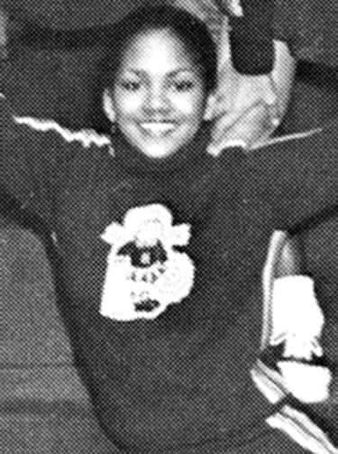 Halle Berry Was A Cheerleader In Highschool