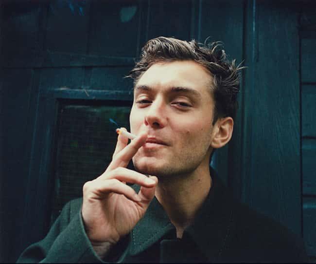 タバコ吸うジュード・ロウ