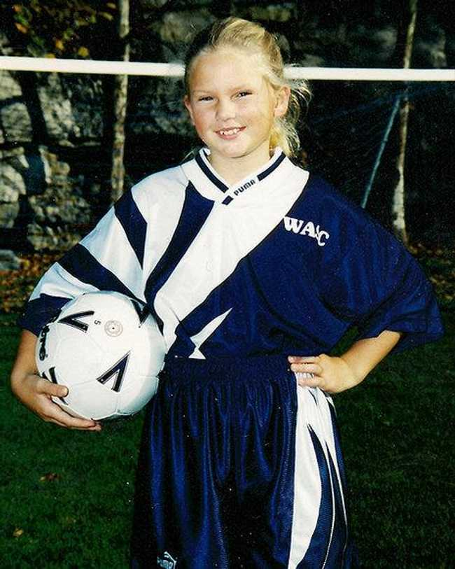 Young Taylor Swift in a Sports... is listed (or ranked) 4 on the list 20 Pictures of Young Taylor Swift Before She Was Famous