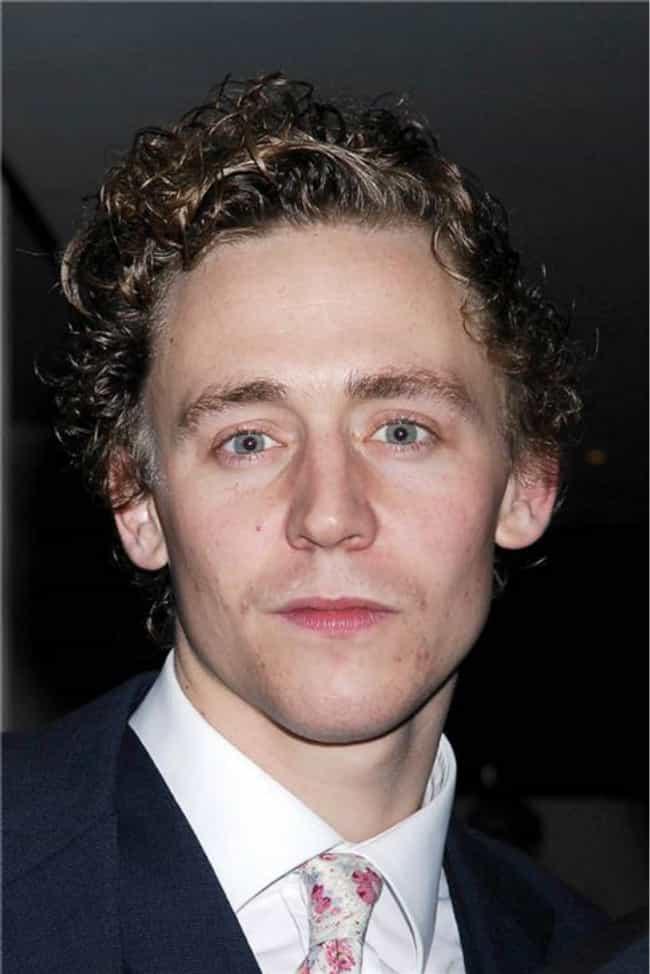 Tom Hiddleston - Tom Hiddleston Photos - The Olivier