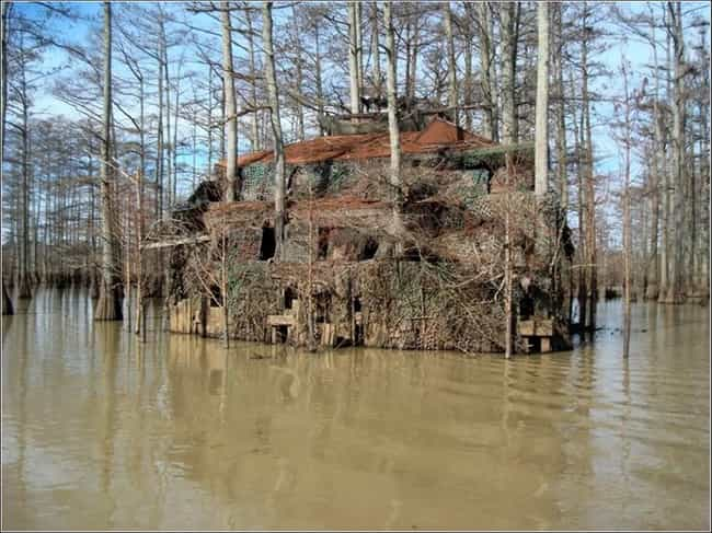 This Upscale Duck Blind ... is listed (or ranked) 4 on the list The Greatest Inventions In Hillbilly Luxury