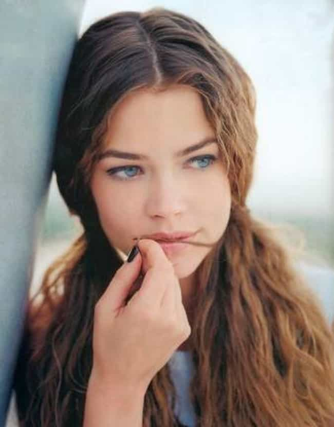 19 Photos of Denise Richards When She Was Young