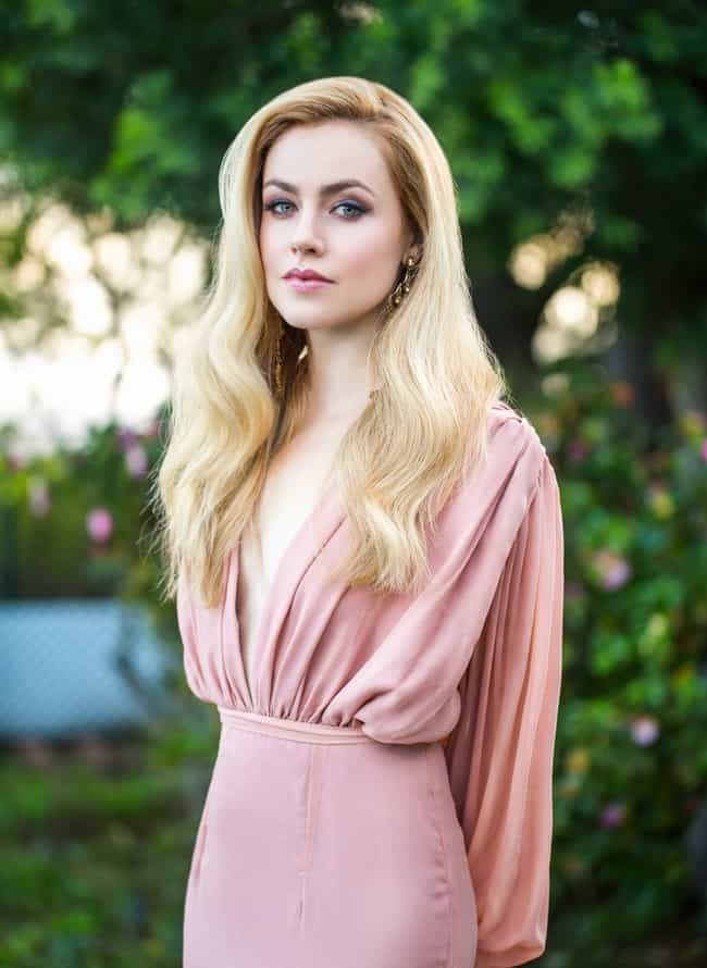 Amanda Schull in Long Sleeve D... is listed (or ranked) 3 on the list The Most Stunning Pics of Amanda Schull