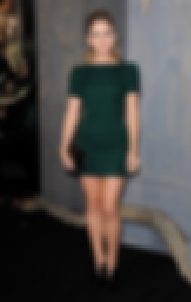 Rose Mclver in Dark Green Dres... is listed (or ranked) 3 on the list The Hottest Rose McIver Pics