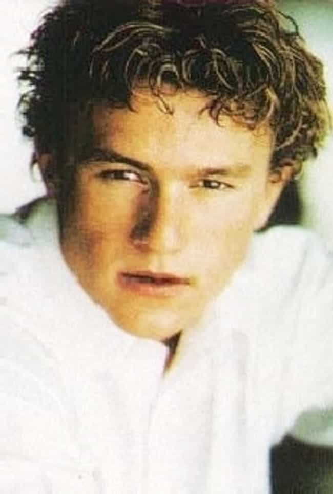 Young Heath Ledger in White Bu... is listed (or ranked) 8 on the list 30 Pictures of Young Heath Ledger
