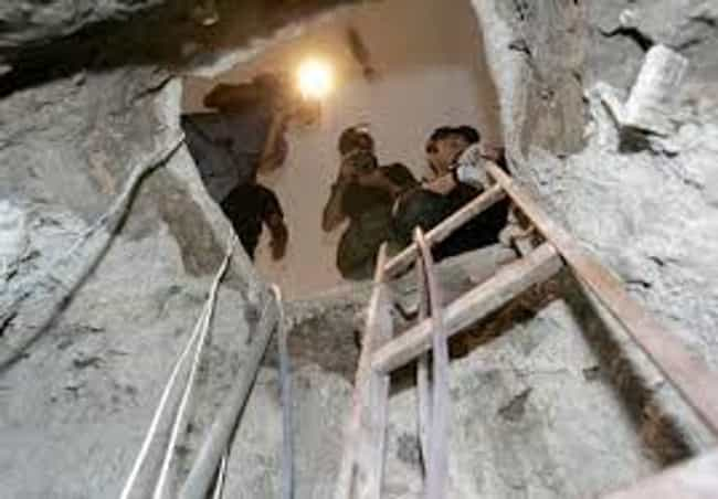 The Banco Central Tunnel Robbe... is listed (or ranked) 4 on the list The Most Daring Heists in History
