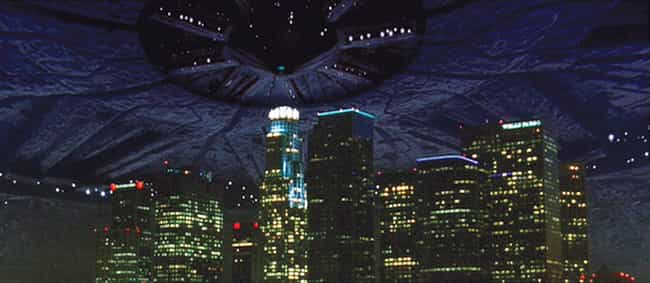 """An Alien Invasion in """"Inde... is listed (or ranked) 1 on the list The Most Epic Ways Los Angeles Was Destroyed on Film"""