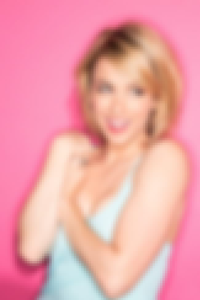 Iliza Shlesinger in her Light ... is listed (or ranked) 4 on the list The Hottest Iliza Shlesinger Photos