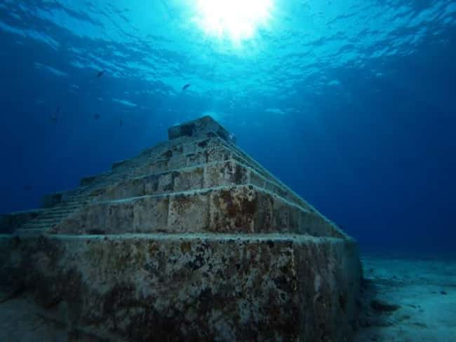 The Mystery of Japan's Yon is listed (or ranked) 12 on the list The Most Amazing Photos of Underwater Cities