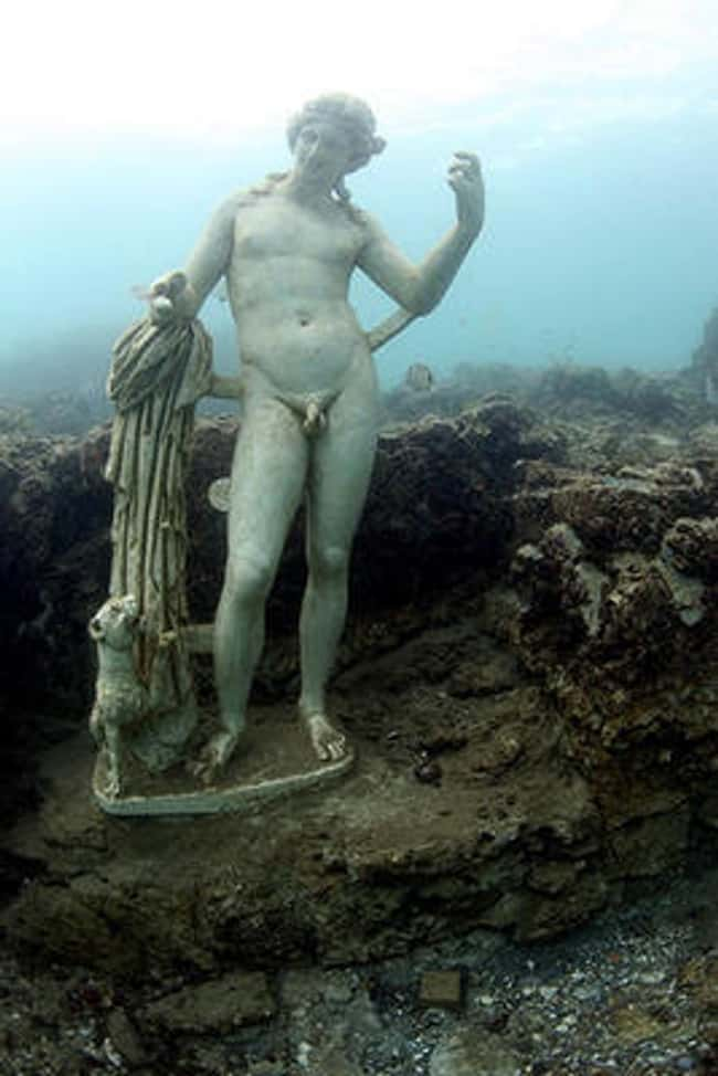 The Sunken Playground of Emper is listed (or ranked) 11 on the list The Most Amazing Photos of Underwater Cities