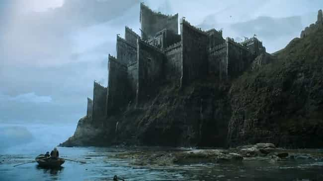 Dragonstone is listed (or ranked) 4 on the list The Greatest Fictional Castles, Palaces & Fortresses