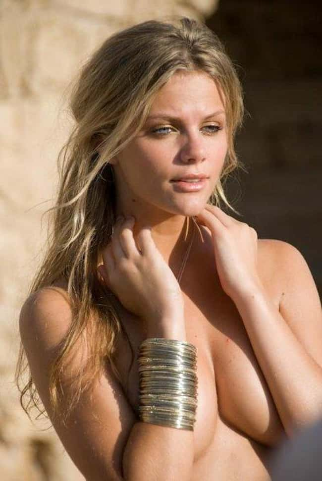 Brooklyn Decker topless but po is listed (or ranked) 6 on the list Hot Brooklyn Decker Boobs Pics