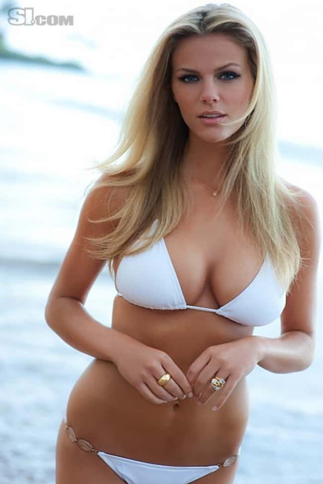 Brooklyn Decker in white bikin is listed (or ranked) 11 on the list Hot Brooklyn Decker Boobs Pics