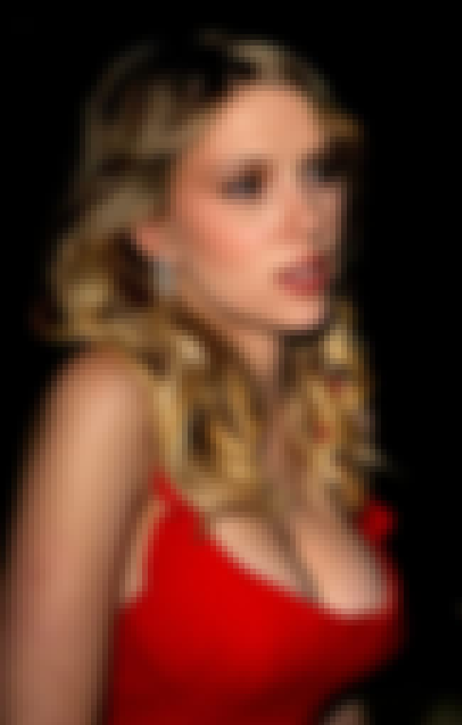 Scarlett Johansson in red dres... is listed (or ranked) 4 on the list Hot Scarlett Johansson Boobs Pics