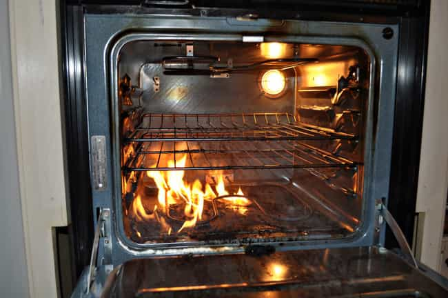 Keep the Door Closed on Oven F... is listed (or ranked) 1 on the list The Most Important Kitchen Safety Tips