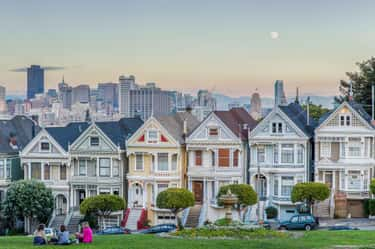 "The ""Full House"" House is listed (or ranked) 2 on the list The Most Iconic Houses from Movies & TV"