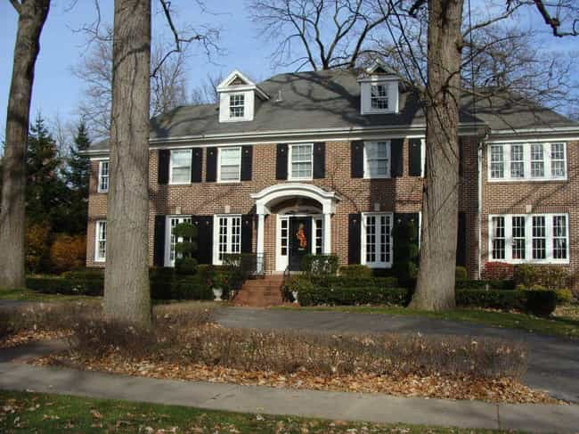 "The ""Home Alone"" House is listed (or ranked) 1 on the list The Most Iconic Houses from Movies & TV"