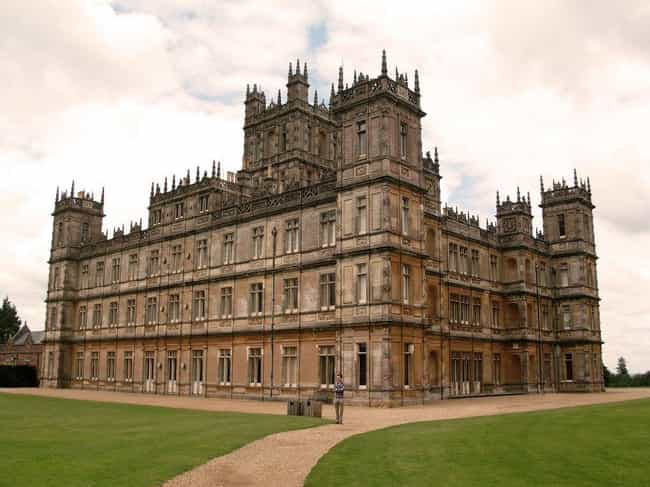 """The """"Downton Abbey"""" Ca... is listed (or ranked) 6 on the list The Most Iconic Houses from Movies & TV"""