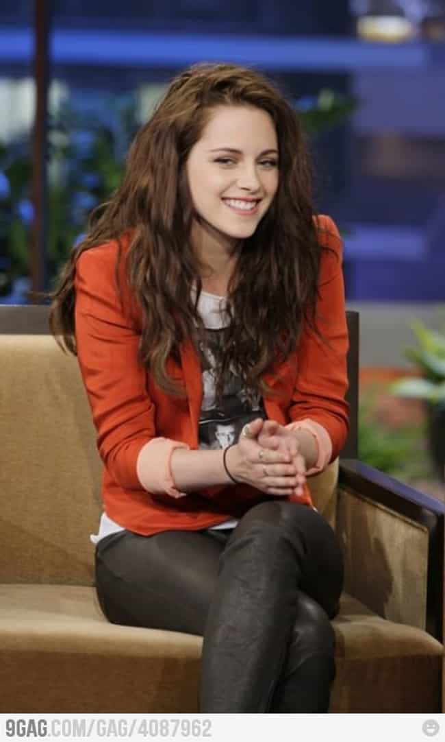 KStew Just Remembered So... is listed (or ranked) 4 on the list Kristen Stewart Actually Smiling & Looking Happy