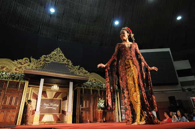 Indonesia - Kebaya is listed (or ranked) 3 on the list Wedding Dresses from Around the World