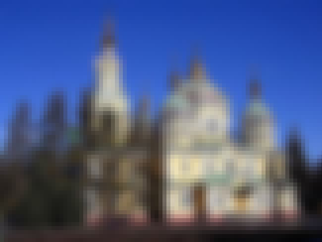 Almaty Cathedral is listed (or ranked) 6 on the list World's Five Most Beautiful Buildings