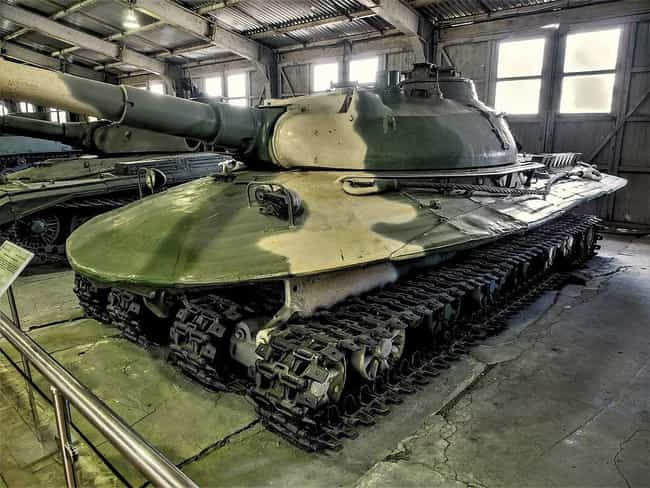 Object 279 is listed (or ranked) 2 on the list 17 Unique Russian Military Inventions
