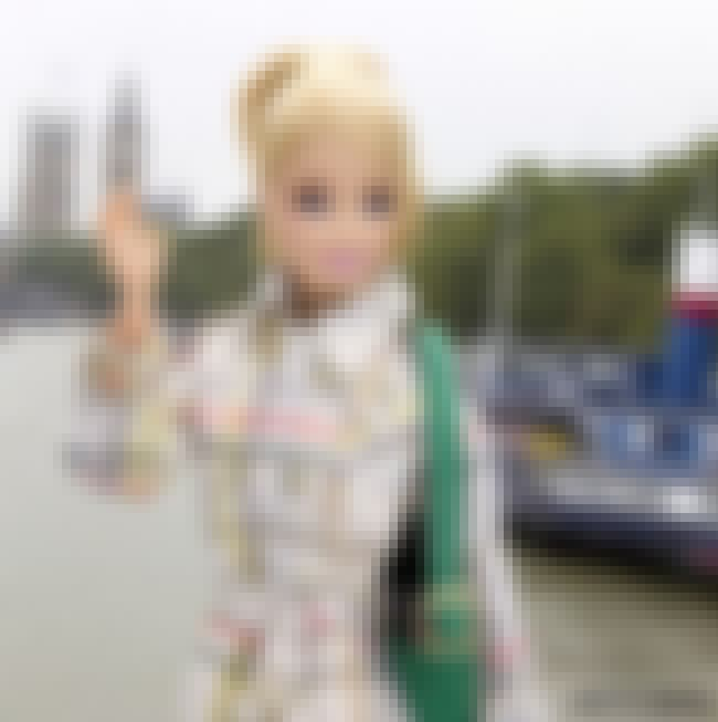 Exploring Foggy London Town in... is listed (or ranked) 2 on the list Barbie's Best Instagram Outfits