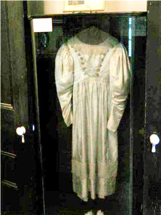Anna Baker's Wedding Dre... is listed (or ranked) 7 on the list Terrifying Cursed Objects That Actually Exist