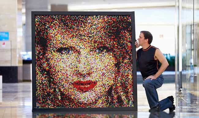 Artist Rob Surette's Amazi... is listed (or ranked) 3 on the list The Flashiest Lite-Brite Art on the Internet