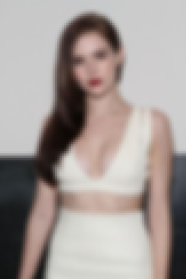 Zoey Deutch is White Hot is listed (or ranked) 1 on the list The 21 Hottest Zoey Deutch Photos