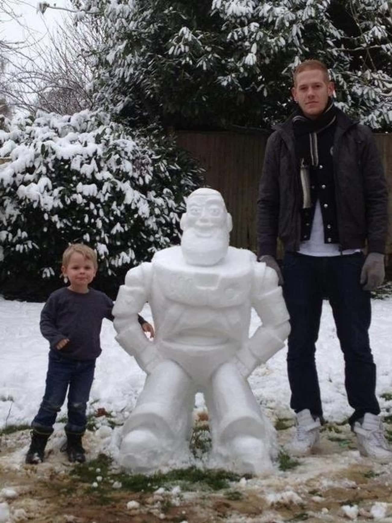 The Totally Buzzed Snowman is listed (or ranked) 4 on the list 47 Snowmen Who Are Funnier Than Yours