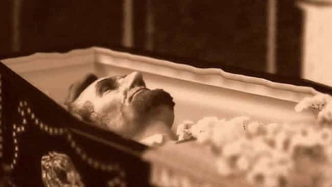 Funeral Home Jobs, Facts, And Inside The Casket