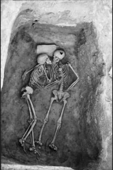 2,800 Year-Old Lovers