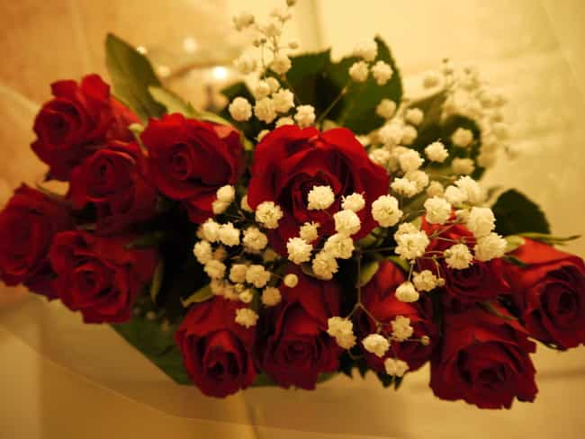 Thieves Try to Rob a Florist is listed (or ranked) 4 on the list 20 Shocking Valentine's Day Crimes Committed by Lovers