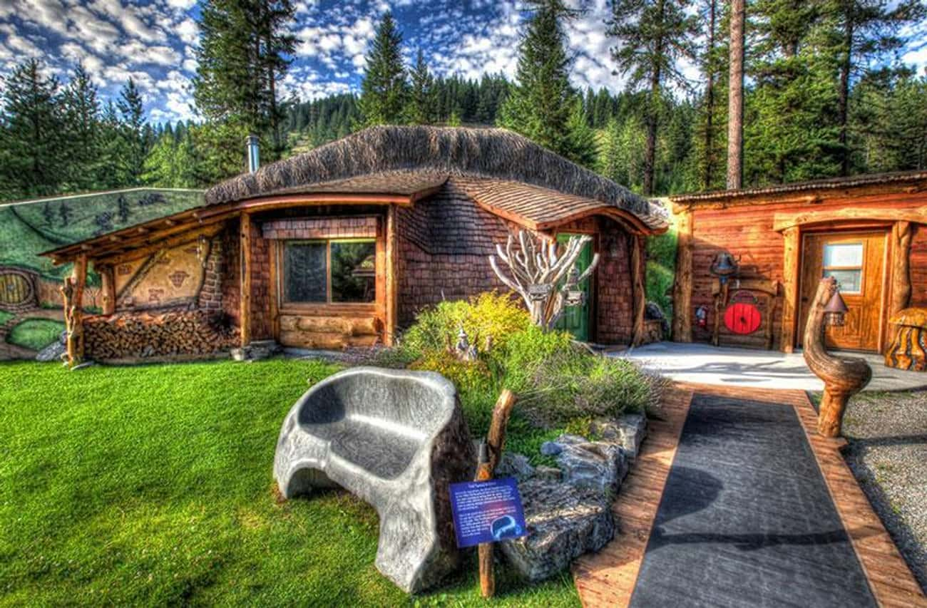 The Real Deal Hobbit House is listed (or ranked) 4 on the list Themed Hotel Rooms That Movie Nerds Will Love