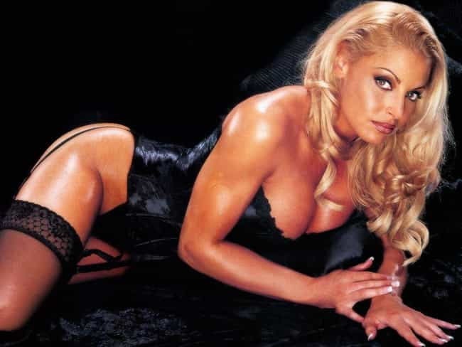 trish-stratus-fake-nude-pics-cunts-indian