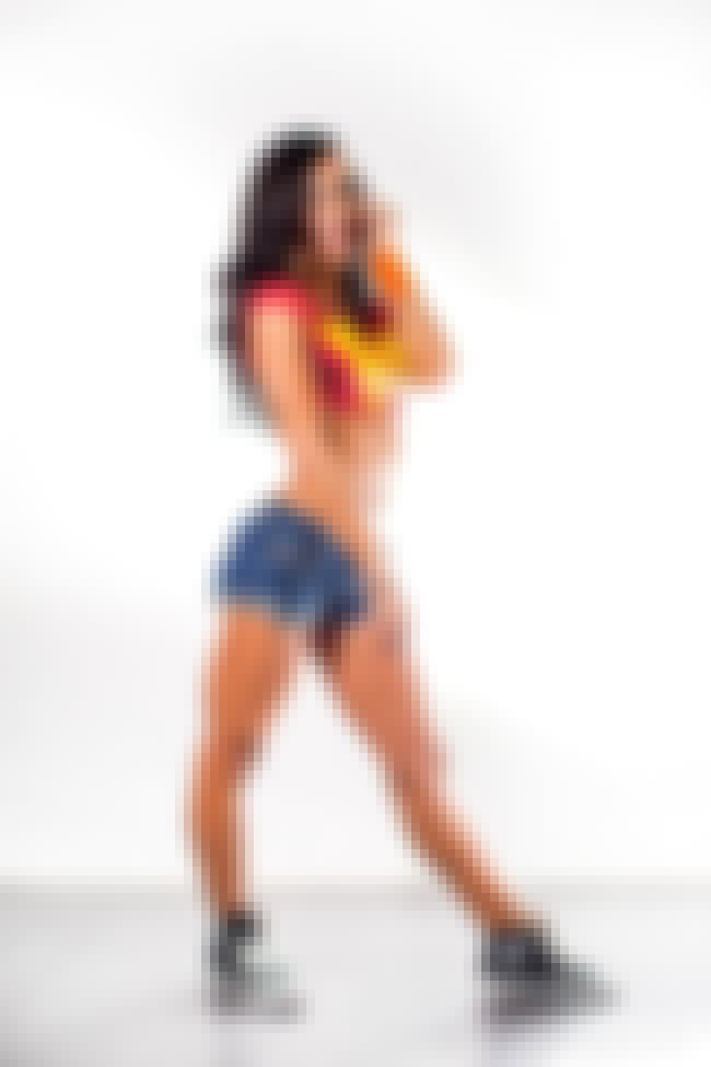 Who's on the phone is listed (or ranked) 3 on the list The Hottest AJ Lee Pics Ever