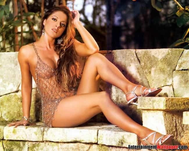 ouellet-hot-naked-wwe-girl-wrestlers-nude-girls