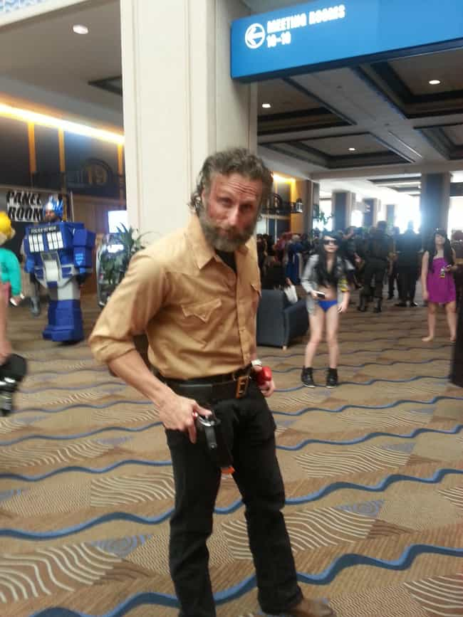 The Puzzled Rick Look is listed (or ranked) 4 on the list The Most Eerily Accurate Walking Dead Cosplays