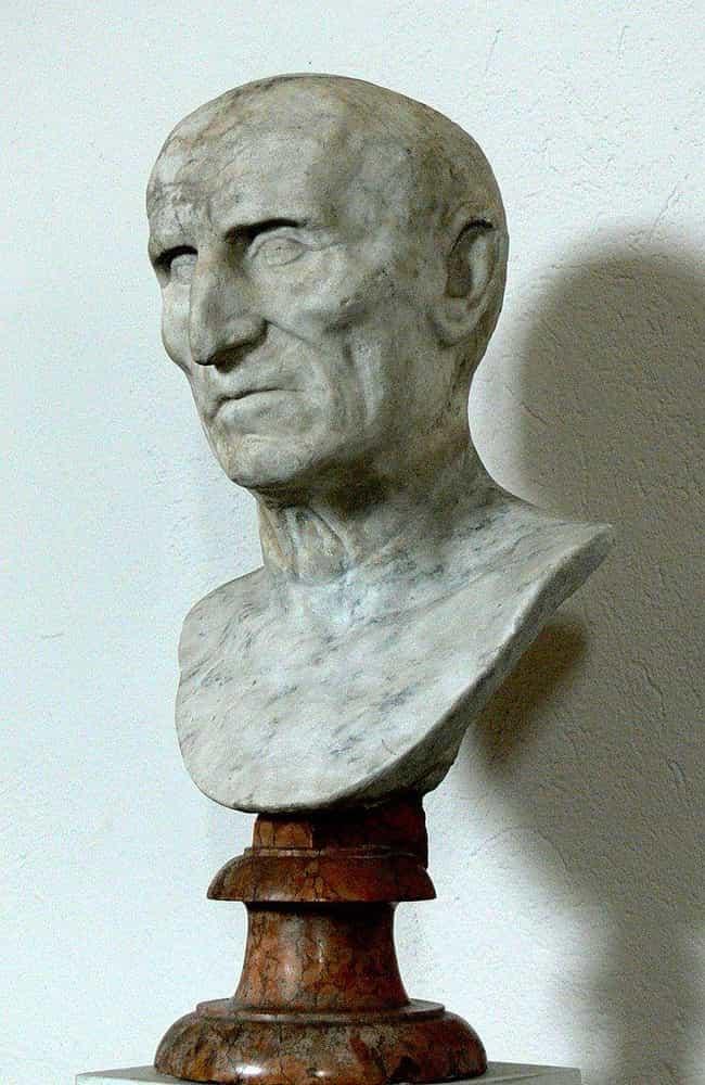 Đầu của Hoàng đế Galba ... được liệt kê (hoặc xếp hạng) 2 trong danh sách Những cái chết cổ xưa kỳ lạ khủng khiếp sẽ không xảy ra hôm nay