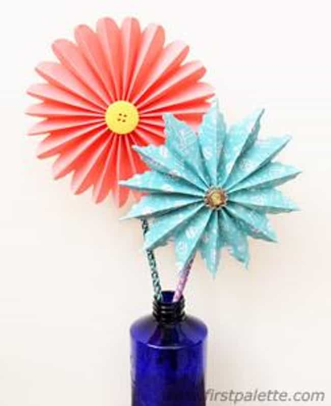 Accordion Paper Flowers ... is listed (or ranked) 4 on the list Good Crafts for 6 Year Olds