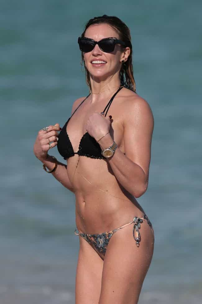katie cassidy bikini pics, hot body, swimsuit, and beach photos