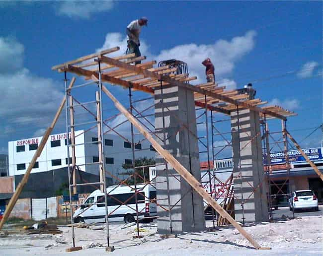 what exactly is holding these guys up freestyle list photo u1?w=650&q=50&fm=jpg - 30+ funny unsafe construction photos
