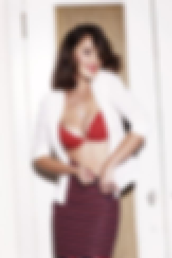 Minka Kelly in Red Bra is listed (or ranked) 2 on the list The Hottest Minka Kelly Bikini Pictures